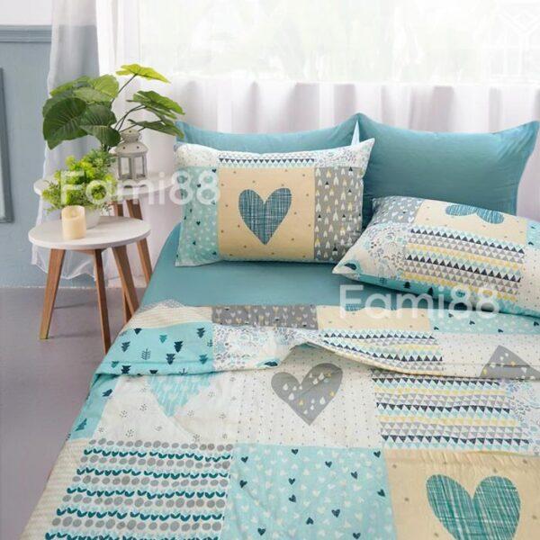 Bộ chăn ga gối màu xanh họa tiết trái tim